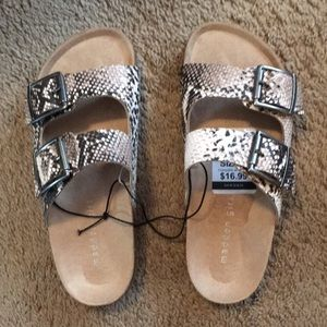 """New With Tags """"Madden Girl"""" Women's Size 6 Sandals"""
